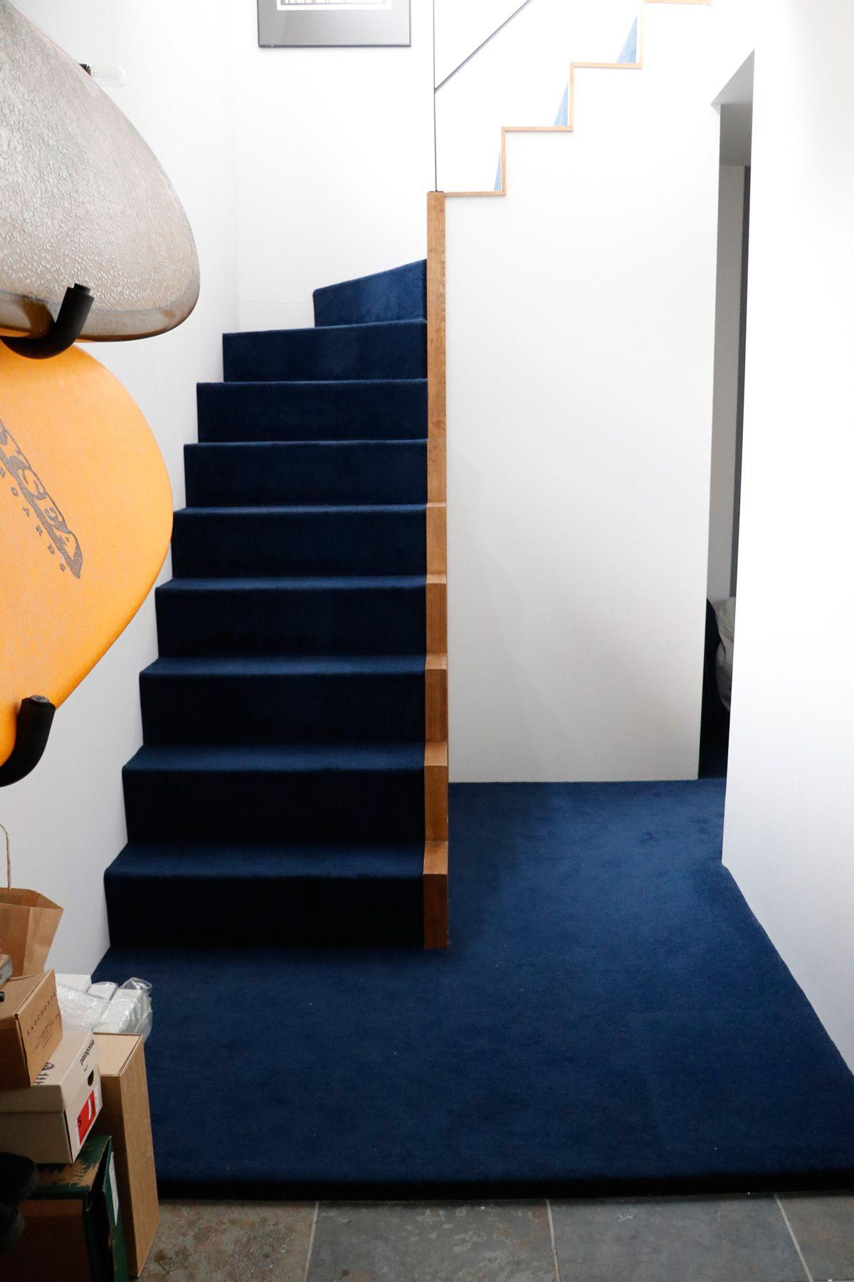 鎌高サーフハウス/個人宅1F 階段