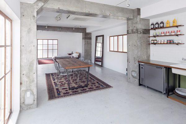 RE studio (アールイースタジオ)長方形の空間
