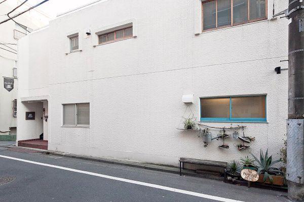 RE studio (アールイースタジオ)バスルーム 窓の方角:西