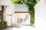 Rapture Studio (ラプチャースタジオ):玄関と倉庫小屋