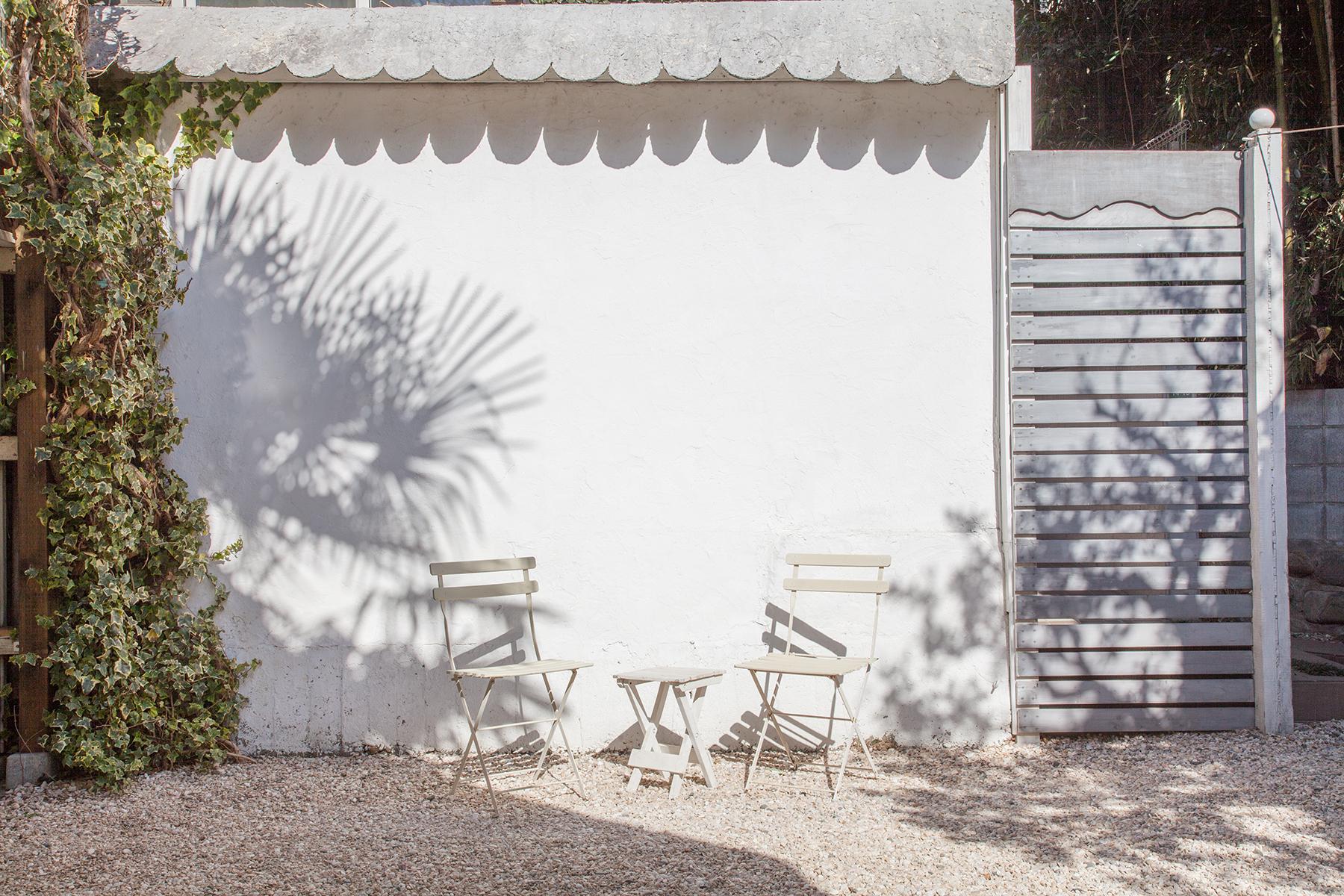 Rapture Studio (ラプチャースタジオ)玄関と倉庫小屋