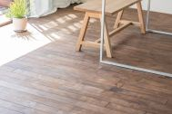cobaco kitchen(コバコ キッチン):くるみ材の床