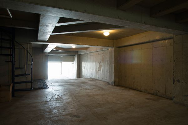 MOKU(モク 材木座)地下駐車場内観