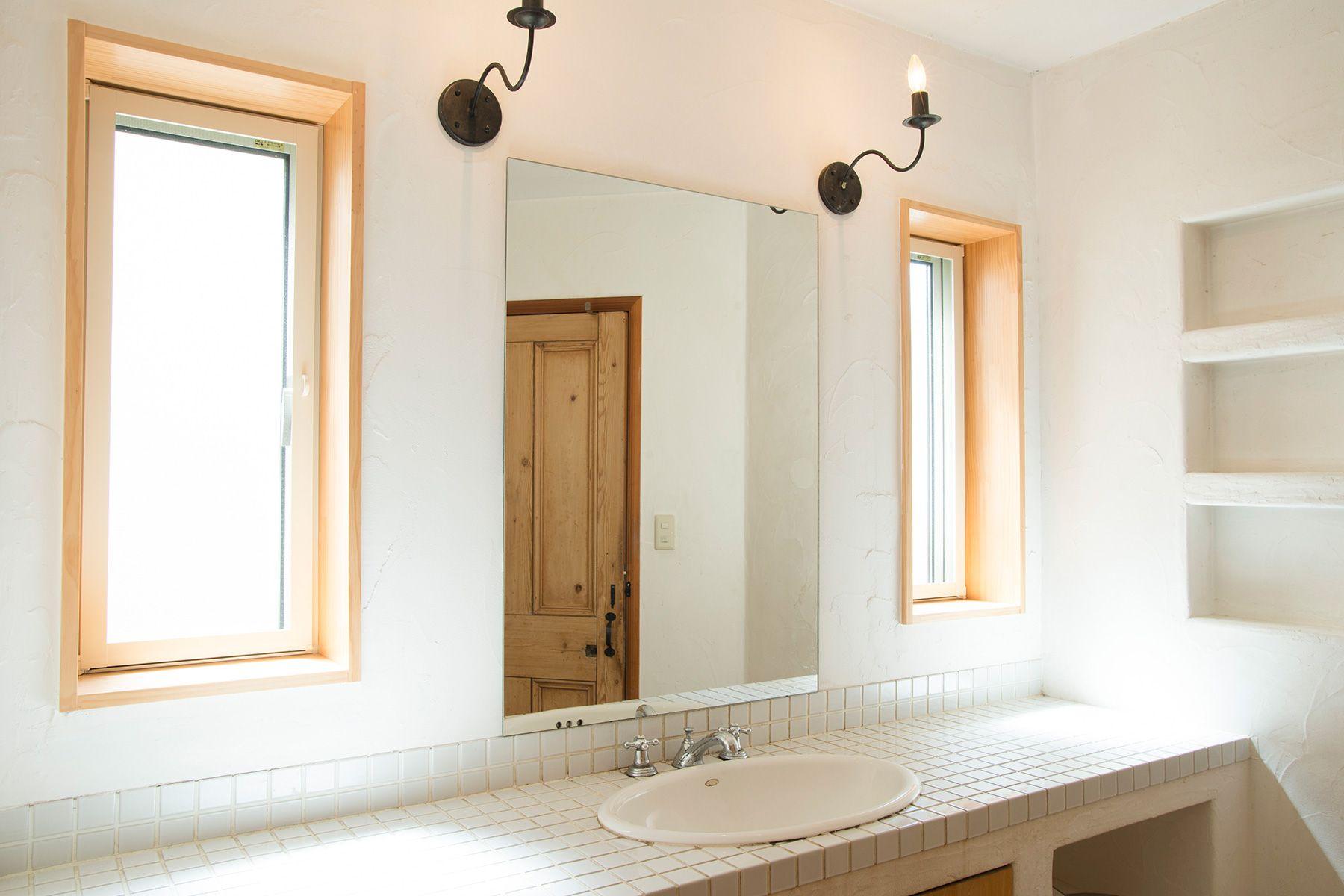 MOKU(モク 材木座)バスルーム前ミラー