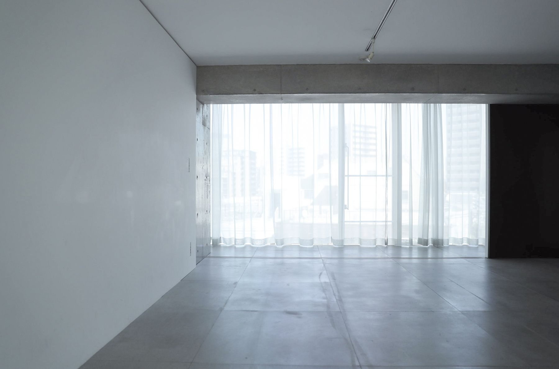 White Room (Pygmy Company) ホワイトルーム4F 東側