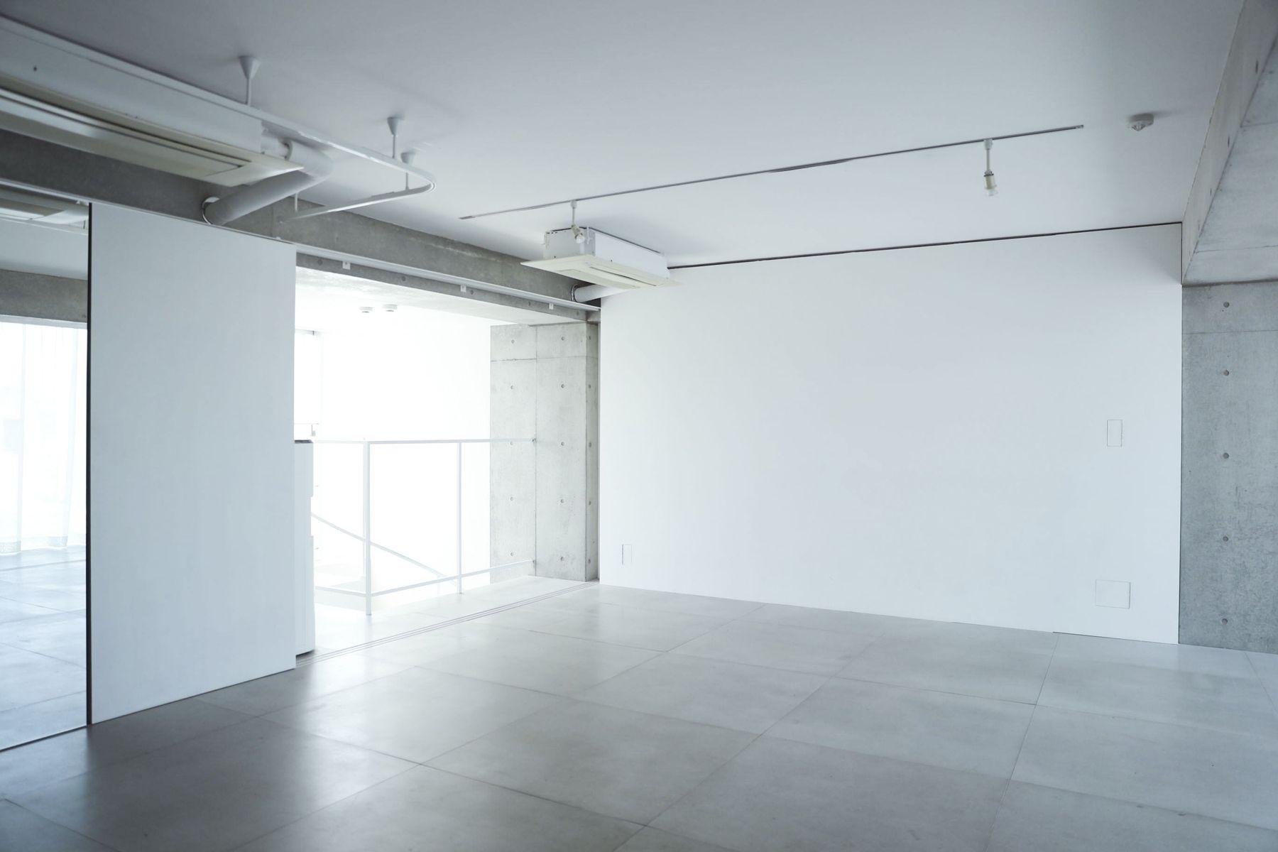 White Room (Pygmy Company) ホワイトルーム4F 白壁