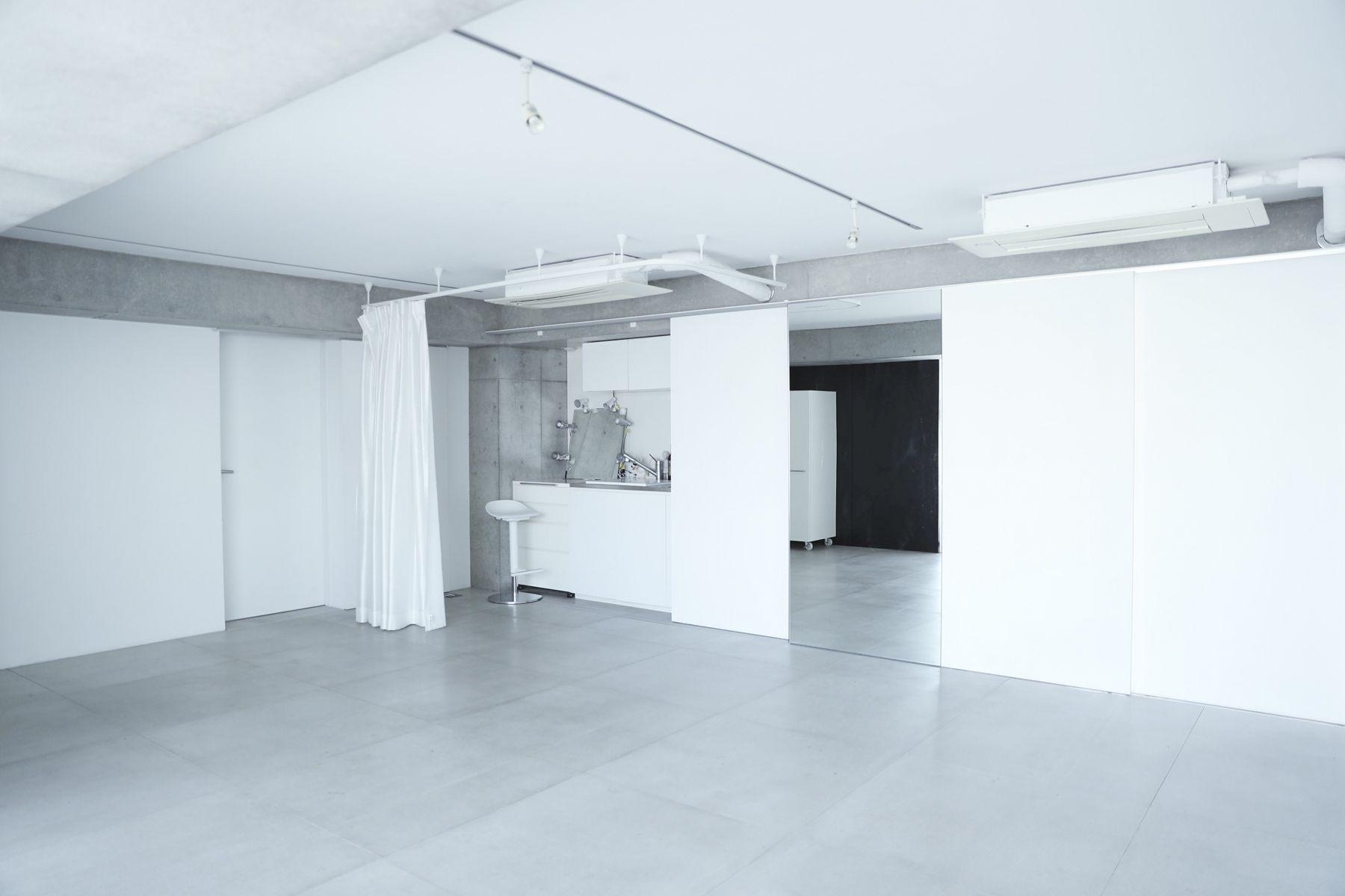 White Room (Pygmy Company) ホワイトルーム4F