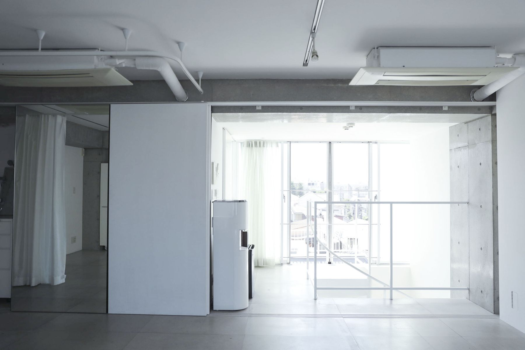 White Room (Pygmy Company) ホワイトルーム4F 西側