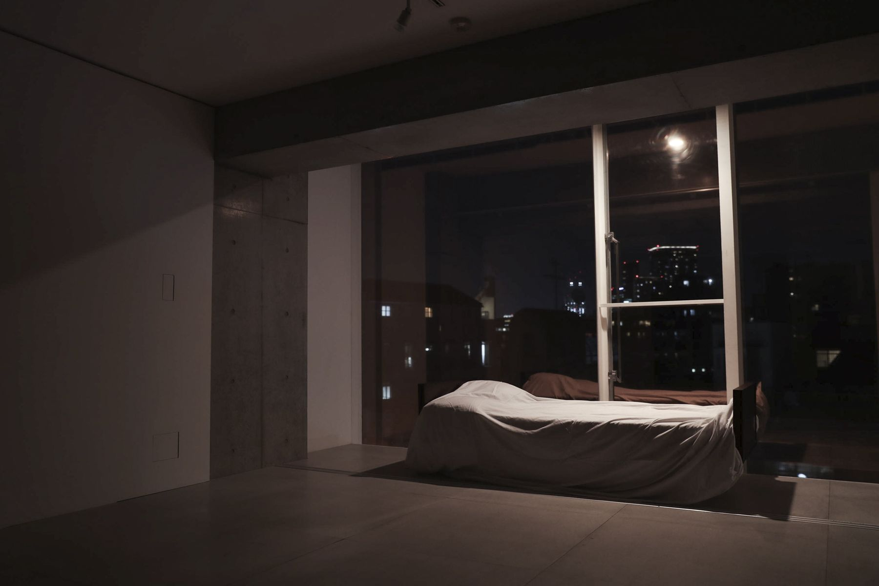 White Room (Pygmy Company) ホワイトルーム4F 夜 東側
