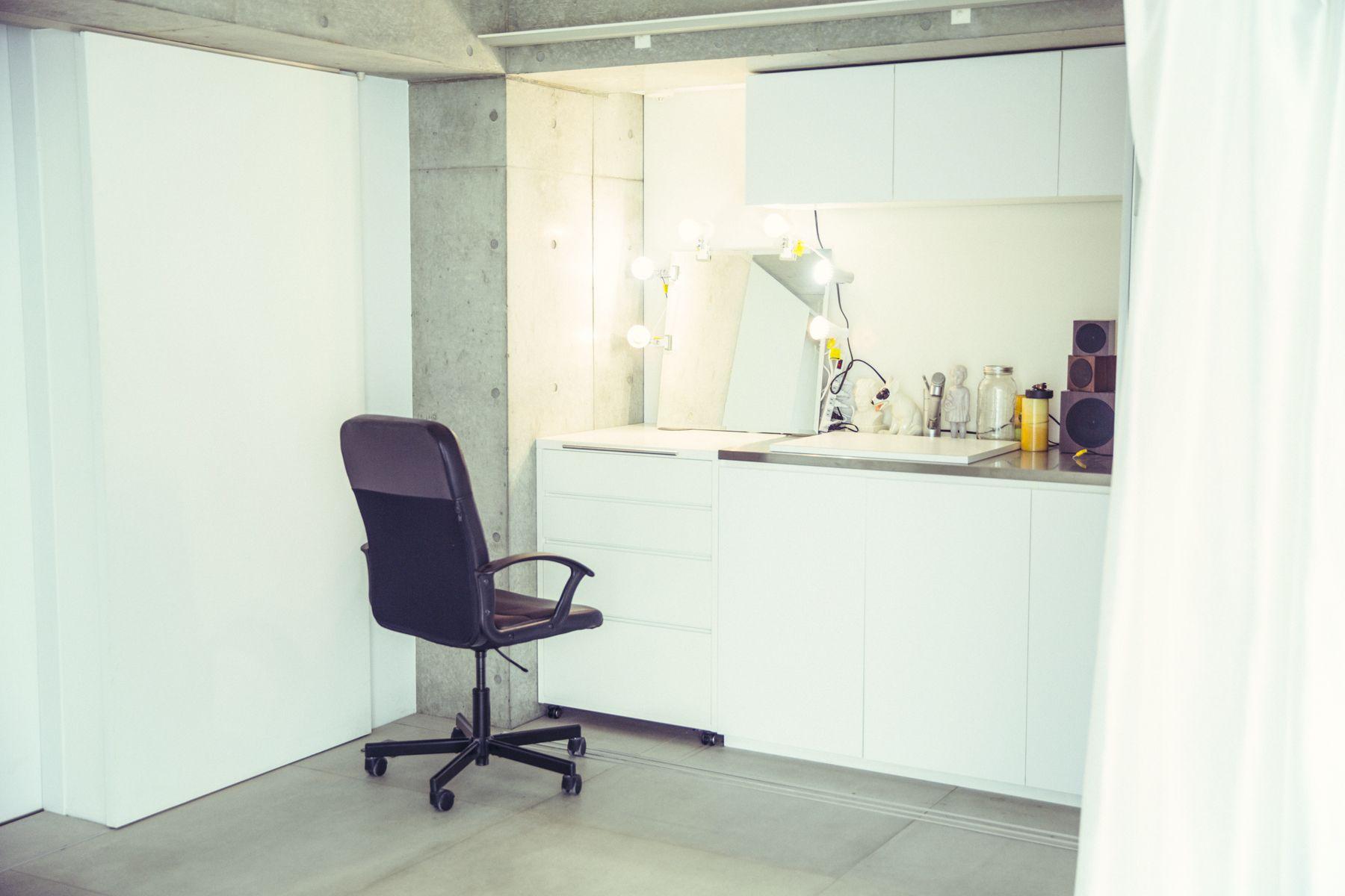 White Room (Pygmy Company) ホワイトルーム4F メイクスペース