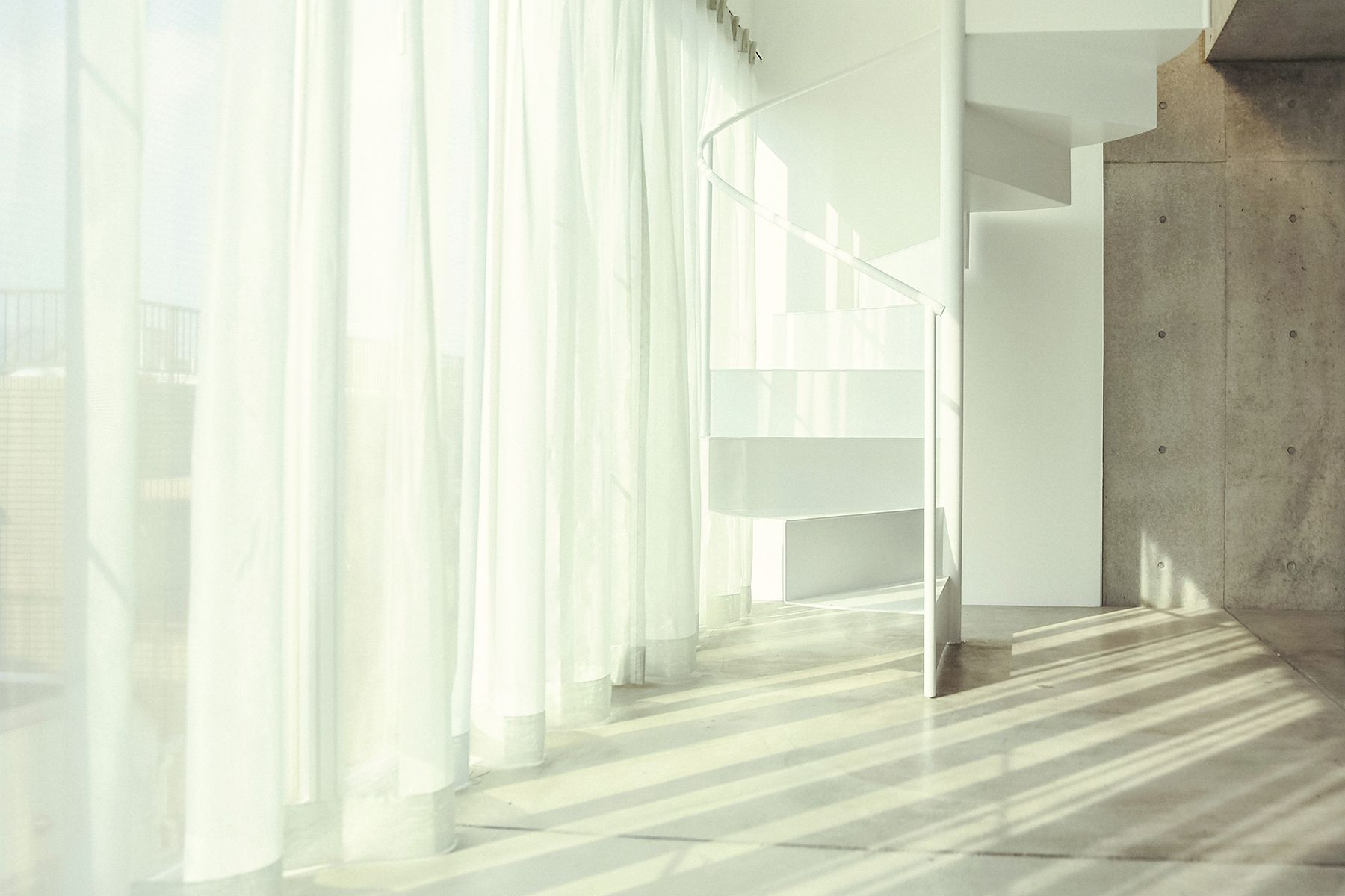 White Room (Pygmy Company) ホワイトルーム3F 螺旋階段