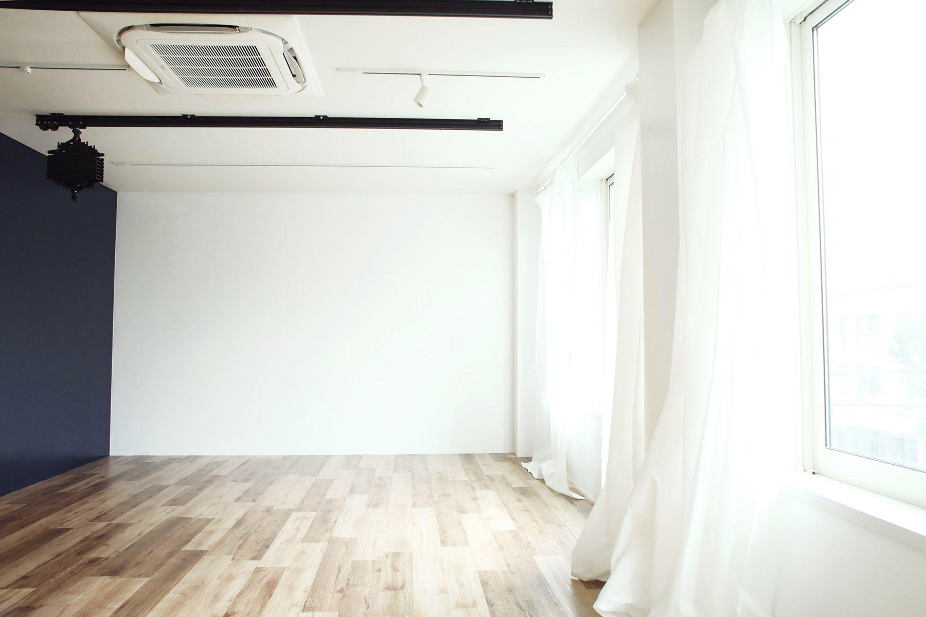 荻窪写真館スタジオ (オギクボシャシンカン)白壁