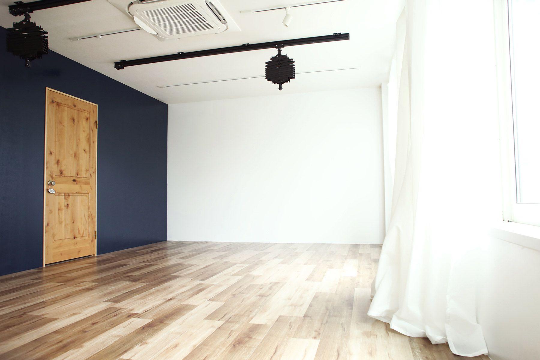荻窪写真館スタジオ (オギクボシャシンカン)日中は日が入ります