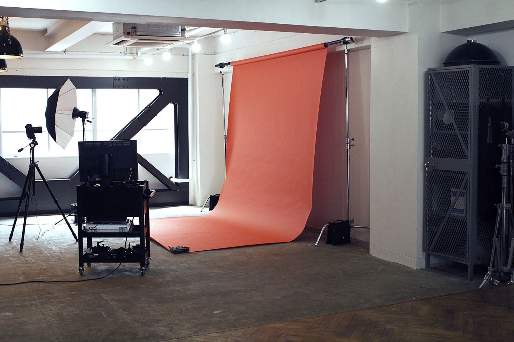 aA studio (エーエースタジオ) ライティングが組める広さ