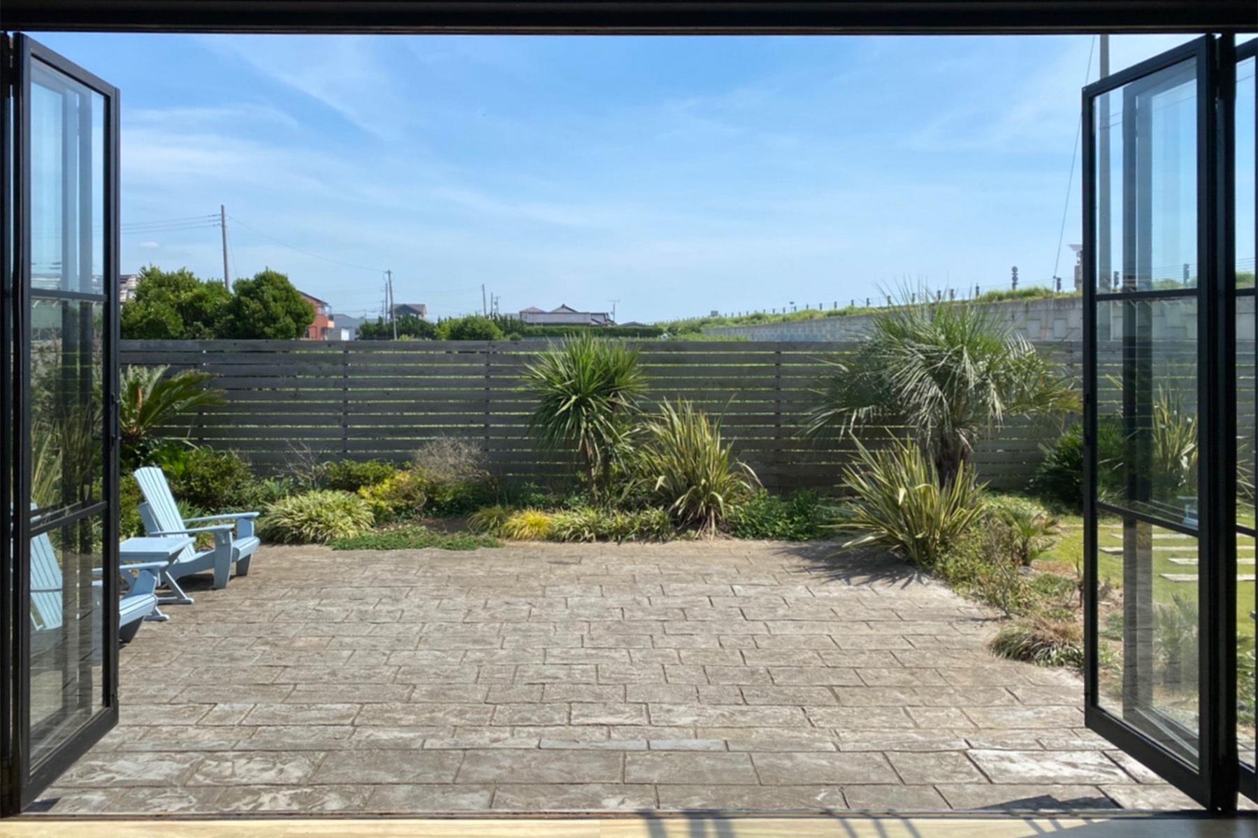 Studio One Kujyukuri Beach (スタジオ ワン クジュウクリ ビーチ)ガーデン②石畳
