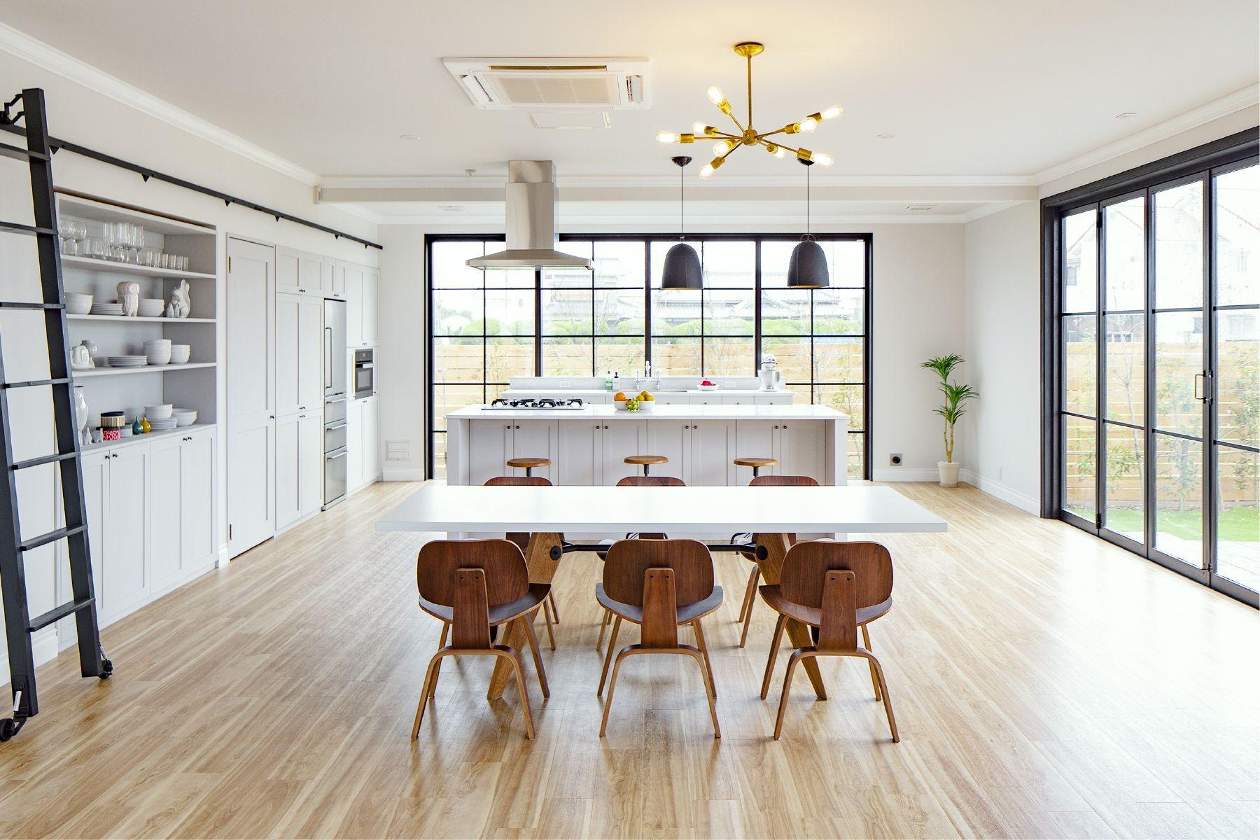 スタジオ ワン 九十九里ビーチガーデン:グレーの石畳の庭
