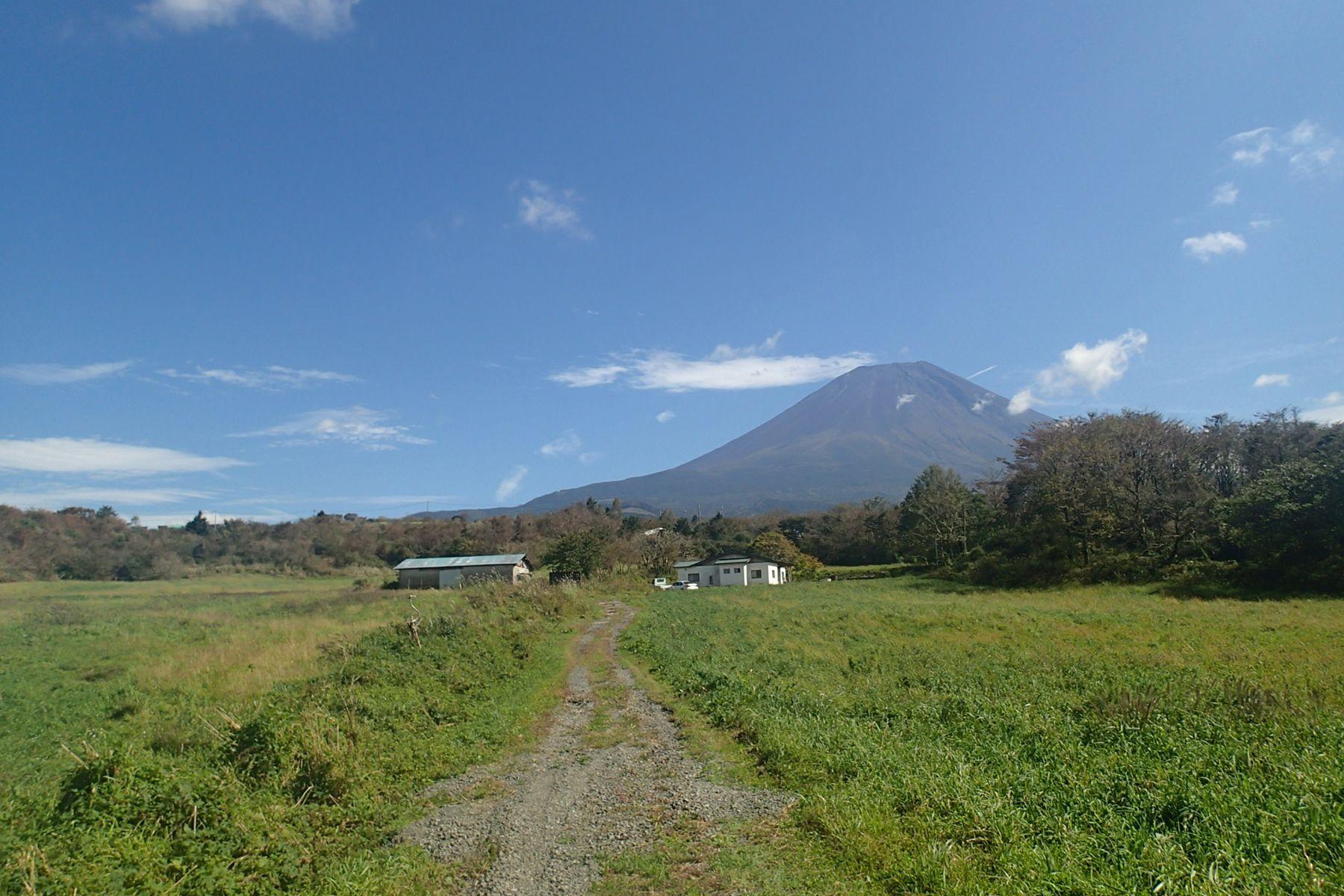 グリーンゲーブル富士ヶ嶺 (グリーンゲーブルフジガネ)平屋までの道