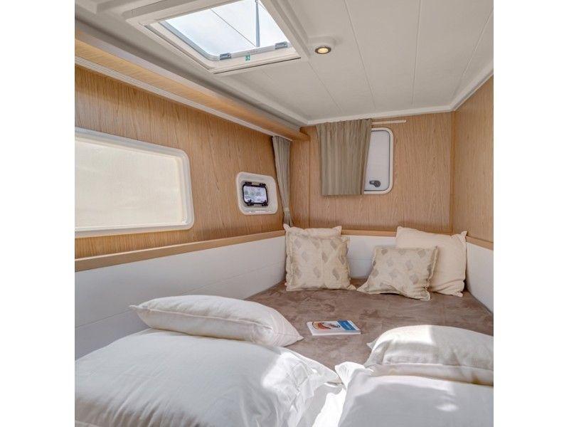 ダンダダ・フェニックス カタマランヨット・クルーザーguest bed room 1