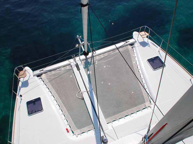 ダンダダ・フェニックス カタマランヨット・クルーザー前方デッキ(Bow Deck)