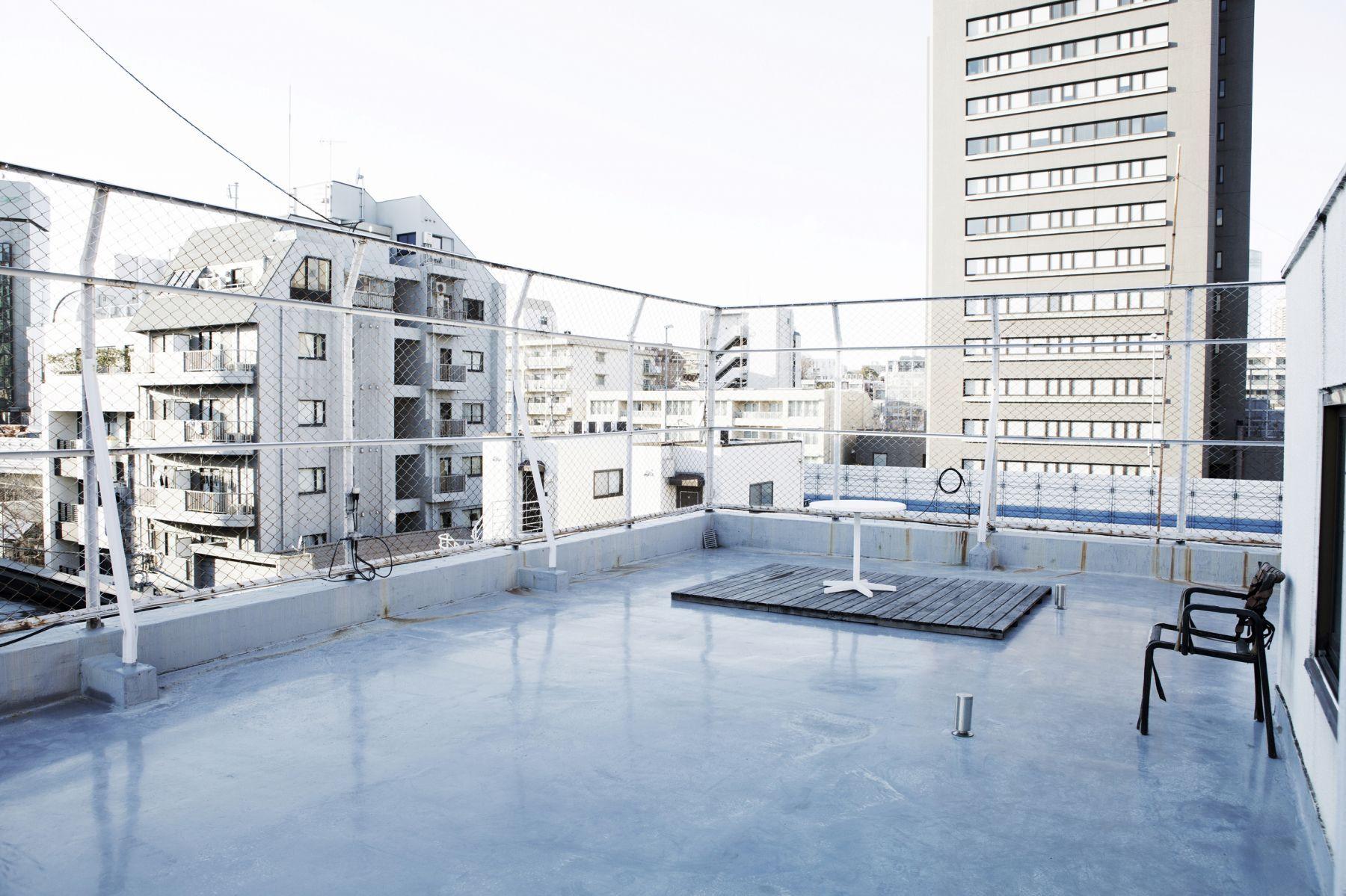 studio ConTRail (スタジオ コントレイル)屋上 扉側