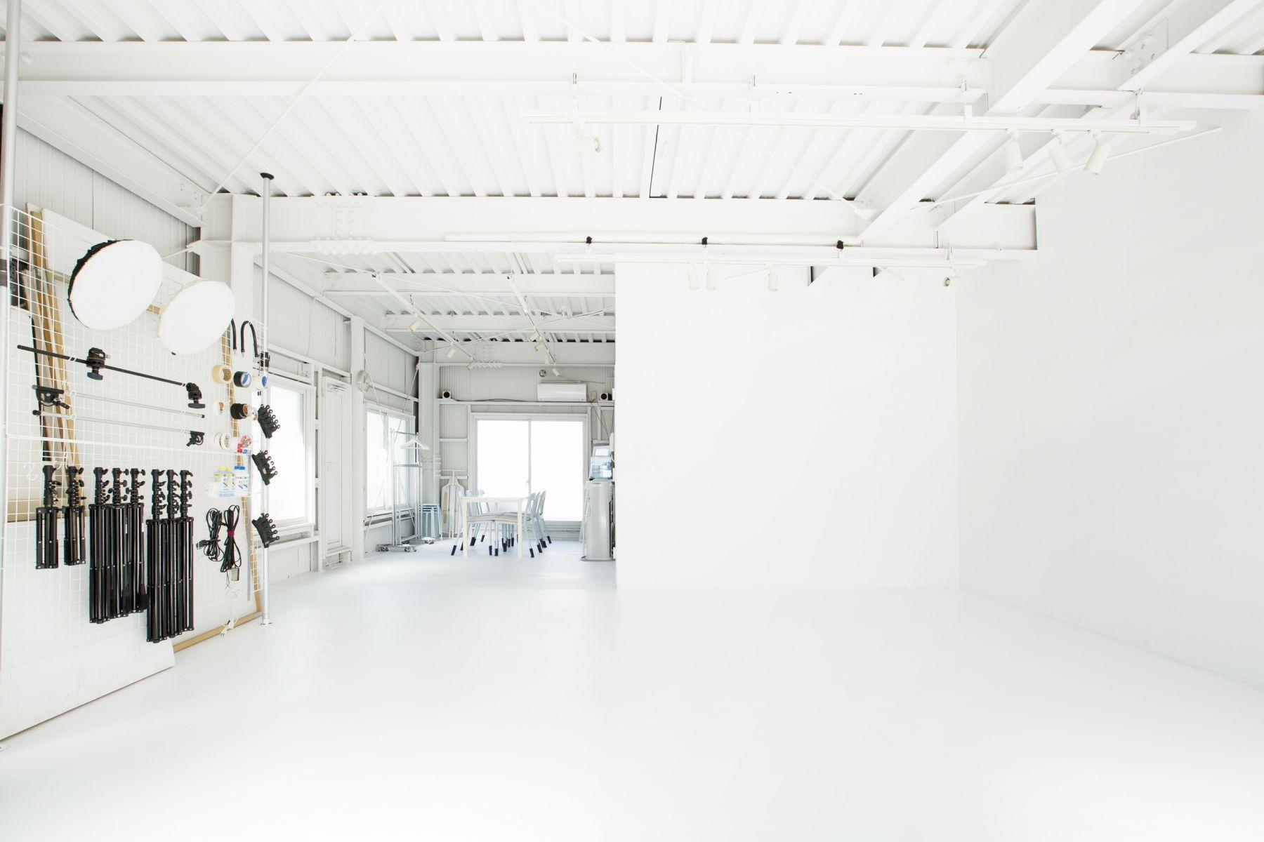 studio ConTRail (スタジオ コントレイル)L字で撮影できる白壁