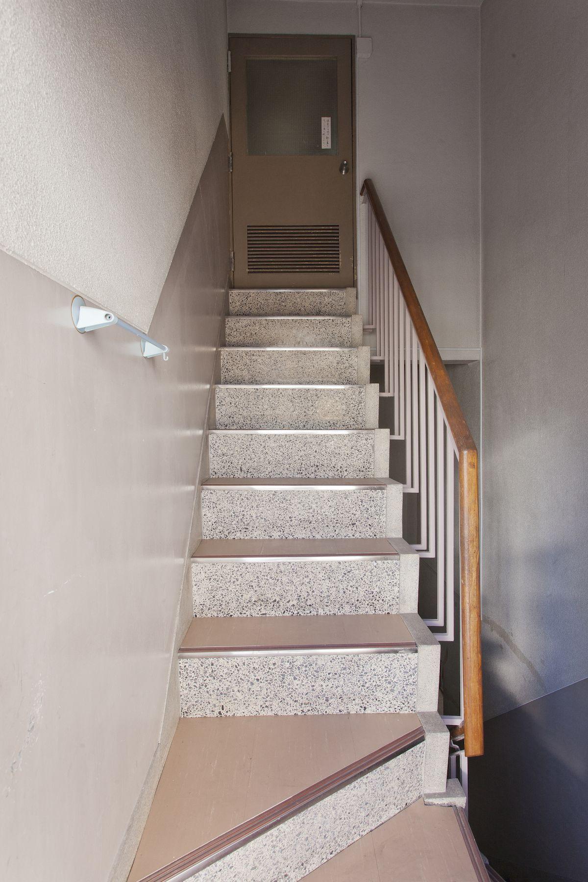 Studio EcoDeco (スタジオエコデコ)屋上階段