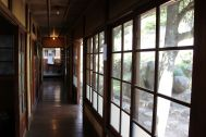 矢中の杜/旧矢中邸 国登録有形文化財 (やなかのもり):本館 廊下