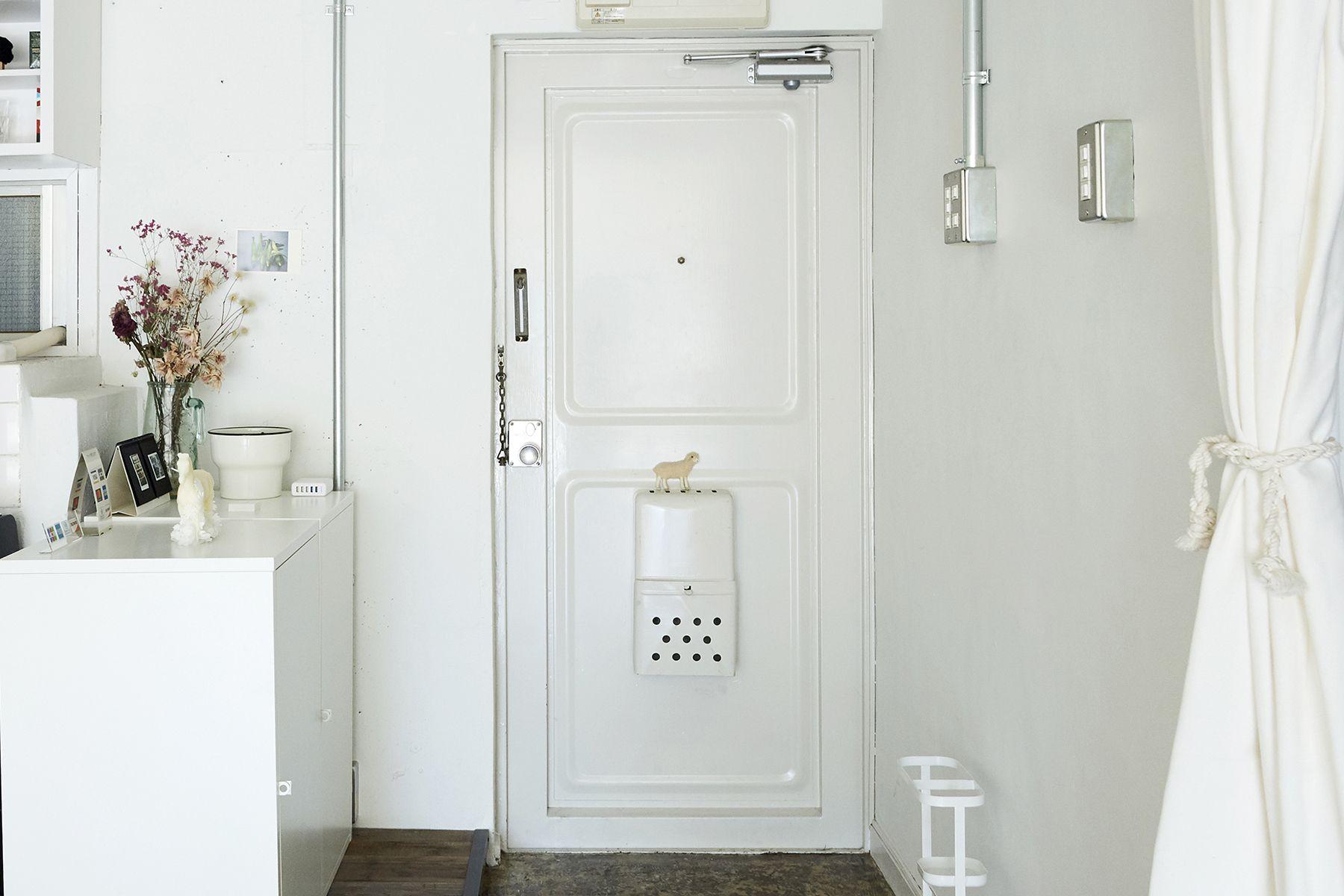 studio imelo(スタジオ イメロ)玄関まわりも白で統一