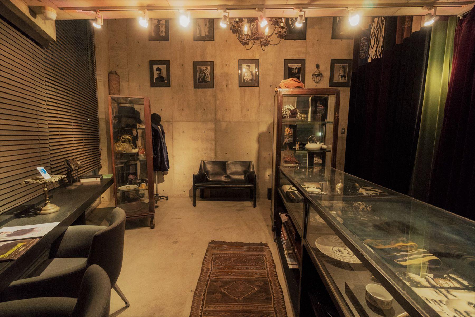 芝浦ADEスタジオ1F shopのような空間