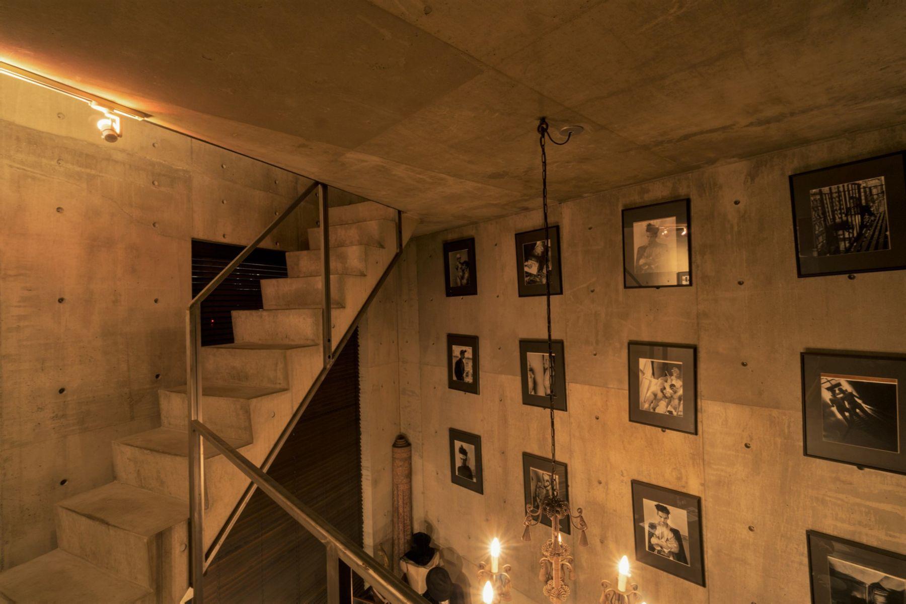芝浦ADEスタジオ2Fから3Fへの階段