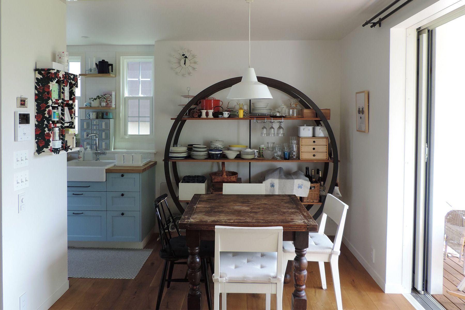 BLUE DOOR/個人宅 (ブルードア)2F リビングからキッチン