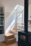 BLUE DOOR/個人宅 (ブルードア):2F キッチン 窓は南向き