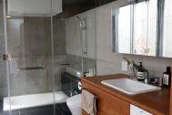 Oliva/個人宅(オリヴァ):バスルーム・洗面