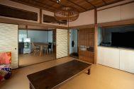 江戸端会議室 (エドバタカイギシツ):襖を開けると8畳+6畳