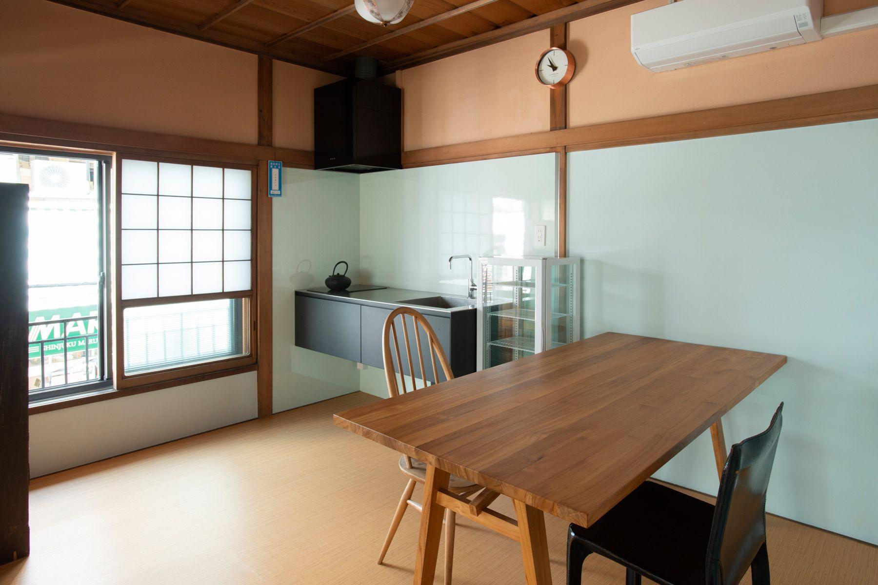 江戸端会議室 (エドバタカイギシツ)キッチンのある和室(6畳)
