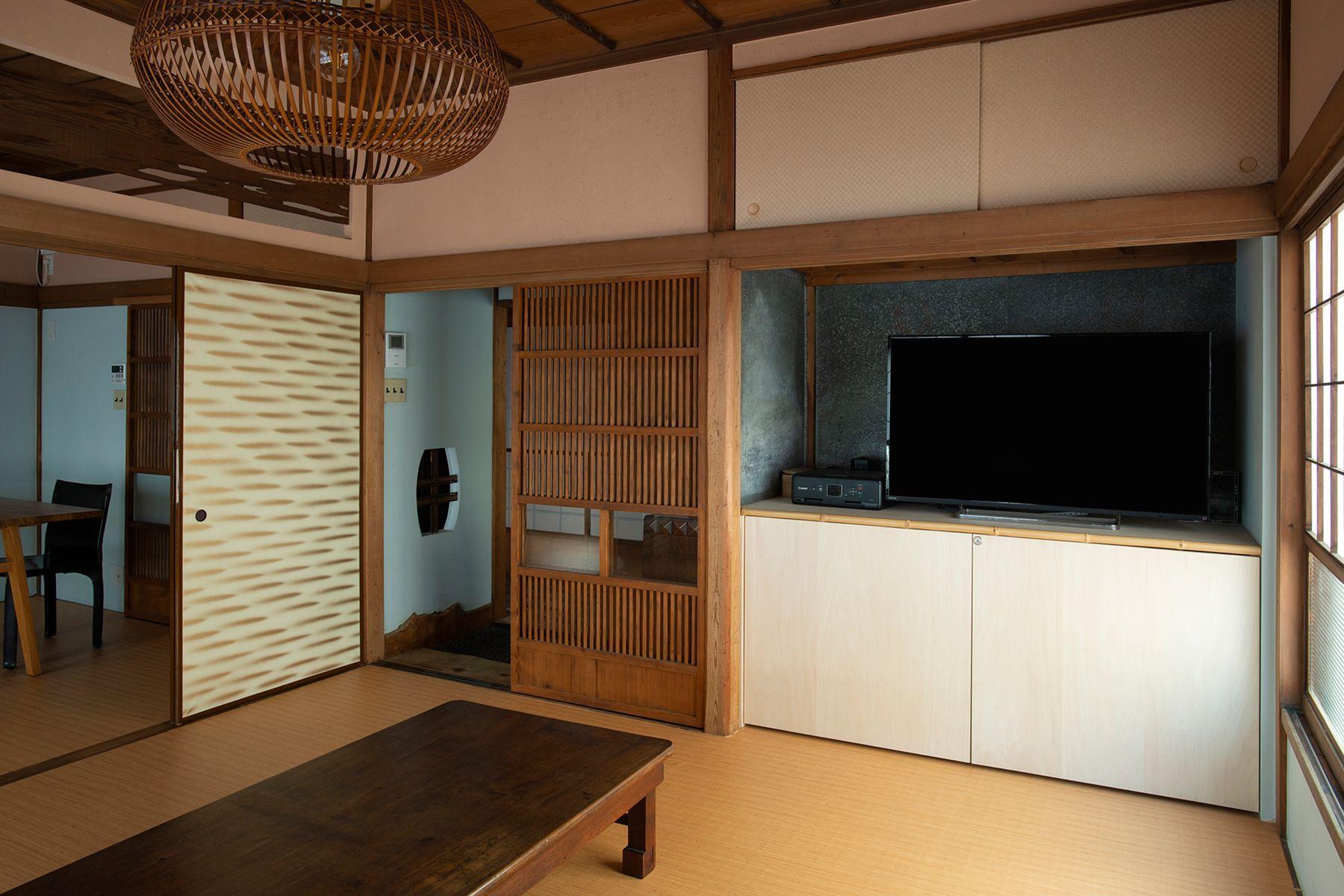 江戸端会議室 (エドバタカイギシツ)和室(8畳)襖を閉めた状態