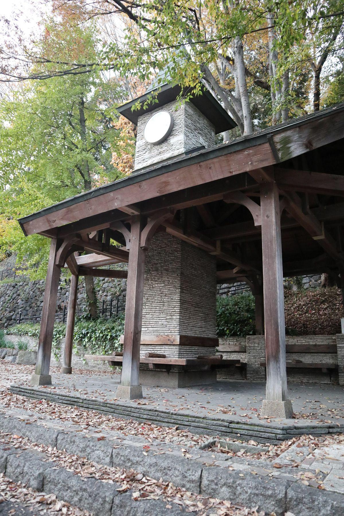 江戸端会議室 (エドバタカイギシツ)近くには江戸川公園
