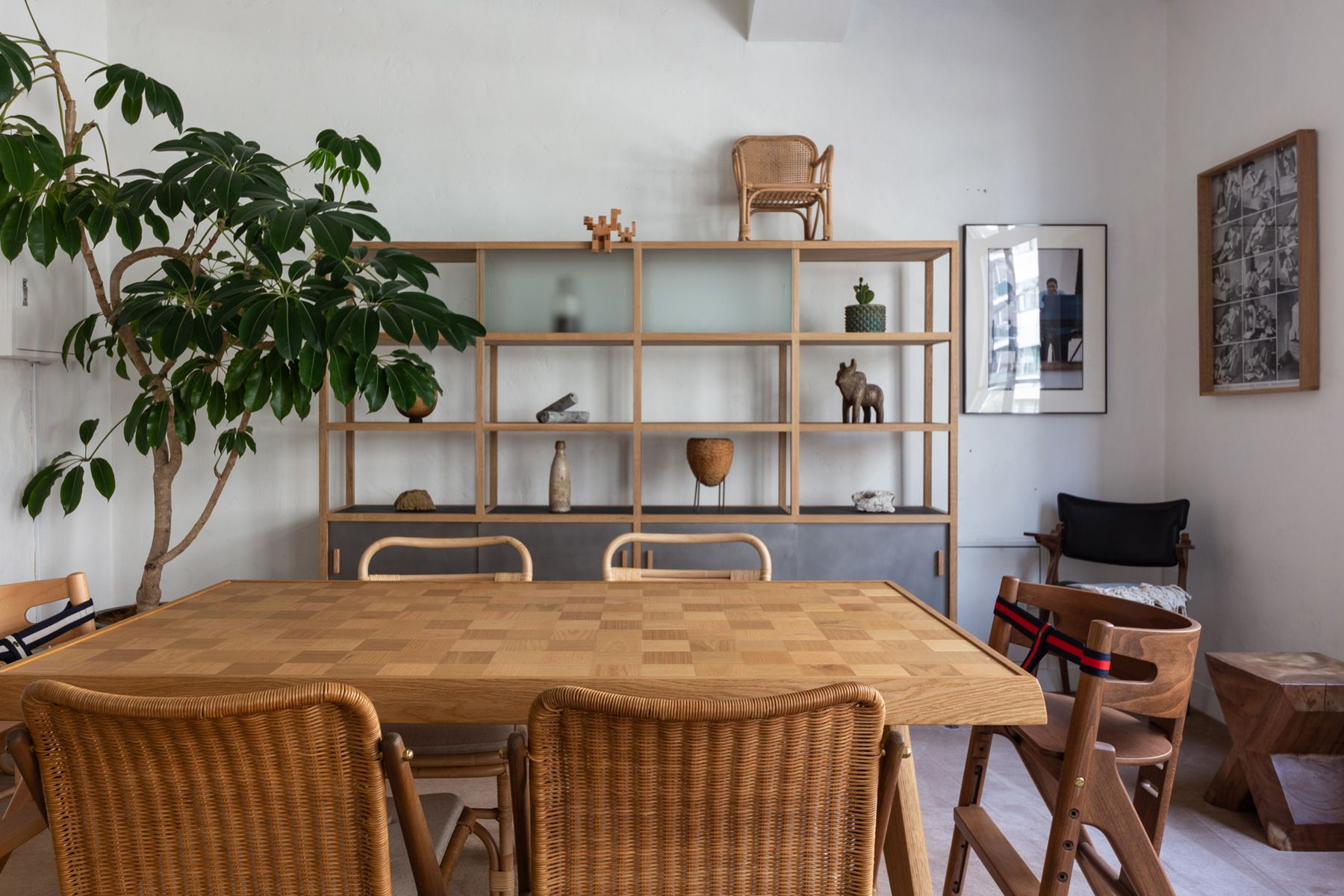 MAKE AND SEE/show room (メイクアンドシー)絨毯の空間
