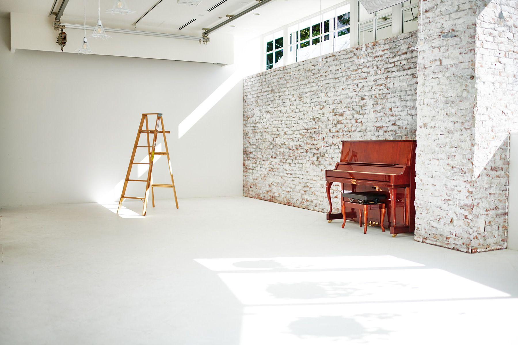 WHITE BALANCE (ホワイトバランス)白壁 横幅5.2m
