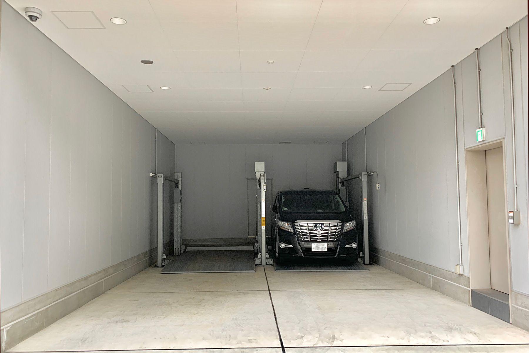 WHITE BALANCE (ホワイトバランス)有料 駐車場2台