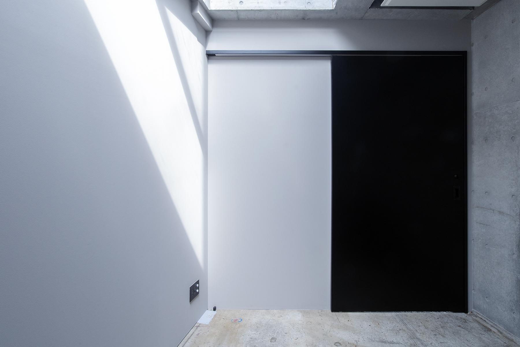 OPRCT Space R (オプレクト)天窓の小部屋 / 西北西方角
