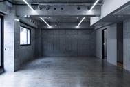 OPRCT Space R (オプレクト):コンクリートの壁方面/ 東南東方角