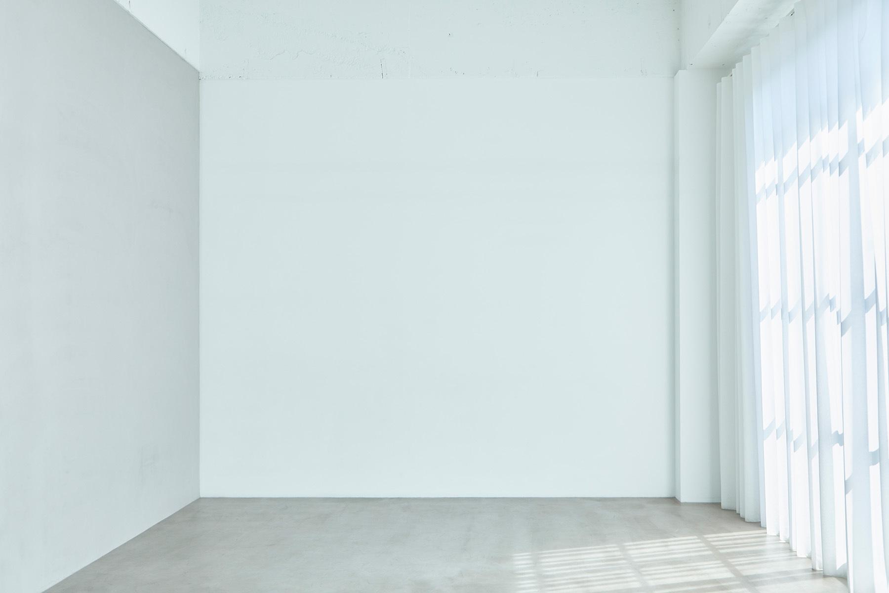 AtelierSix Studio&Prop (アトリエシックス)普遍的モルタル床×白壁