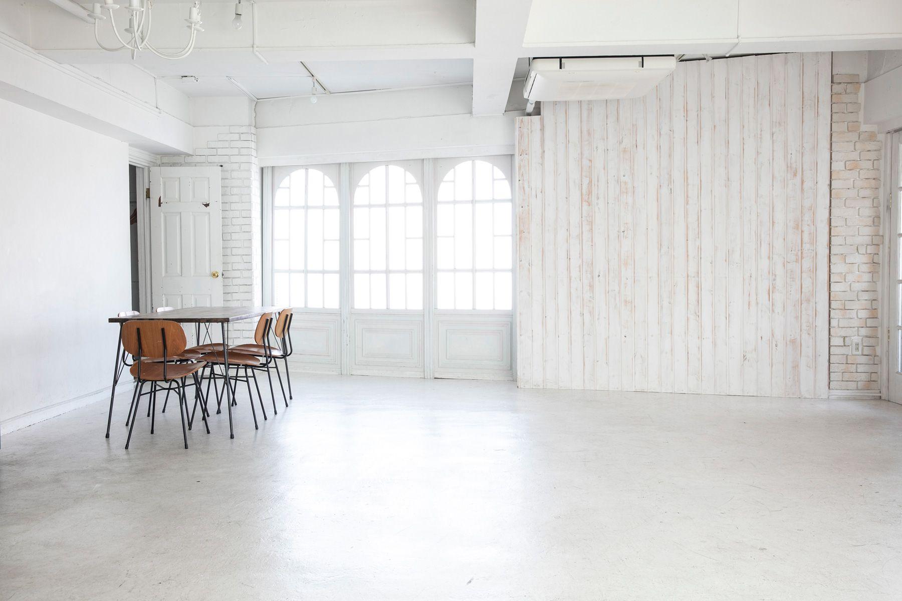 studio Mired (スタジオ ミレッド)ニュアンスのある白壁