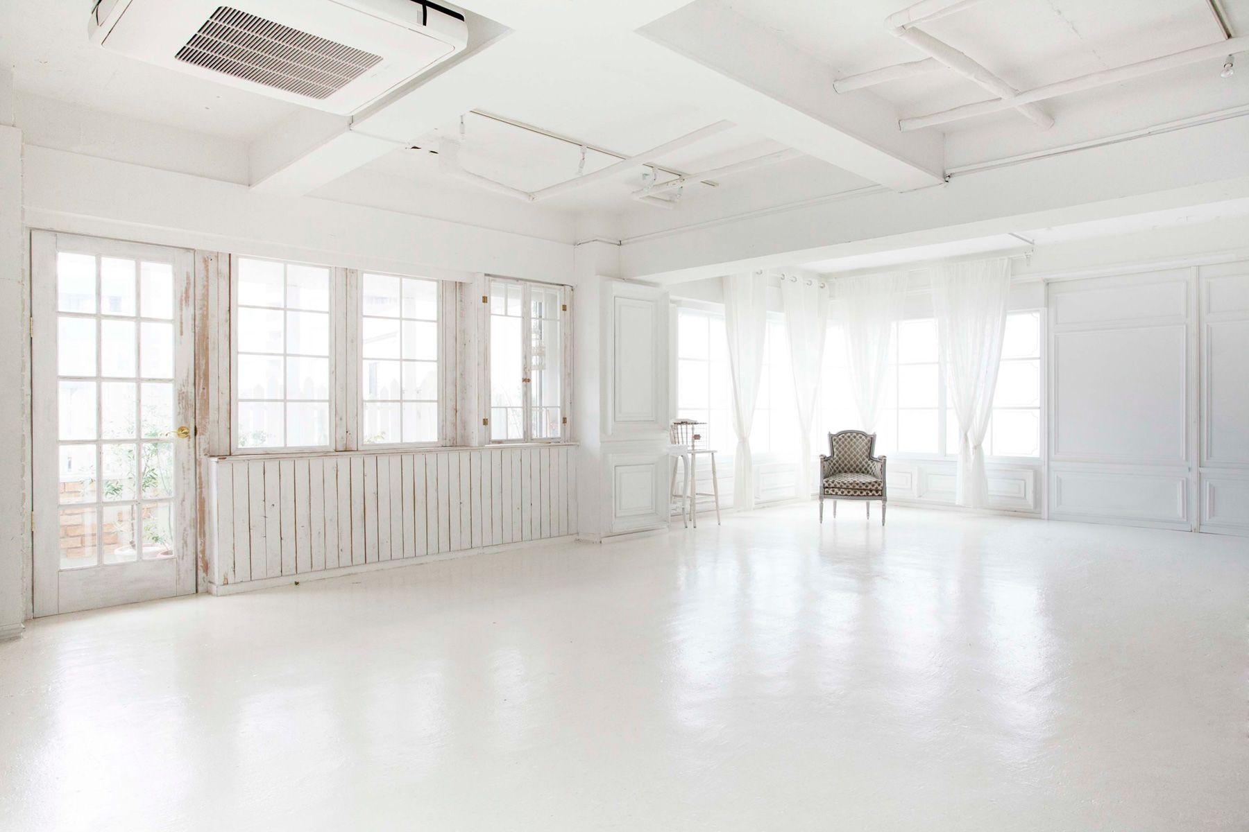 studio Mired (スタジオ ミレッド)自然光で明るい