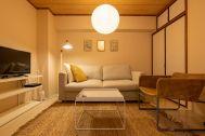 横浜第1スタジオ:ダイニング電球色・夜の雰囲気