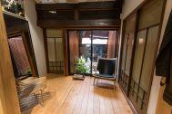 ノルウェージャン・レイン&T-マイケル東京ストア (shop):2F 左の扉からBARへ