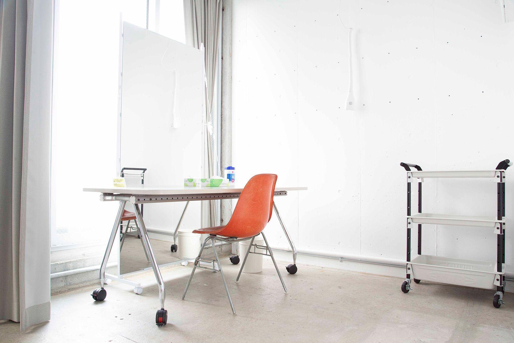 STUDIO LAILA (スタジオ ライラ)コンクリート床と白床の2パターン