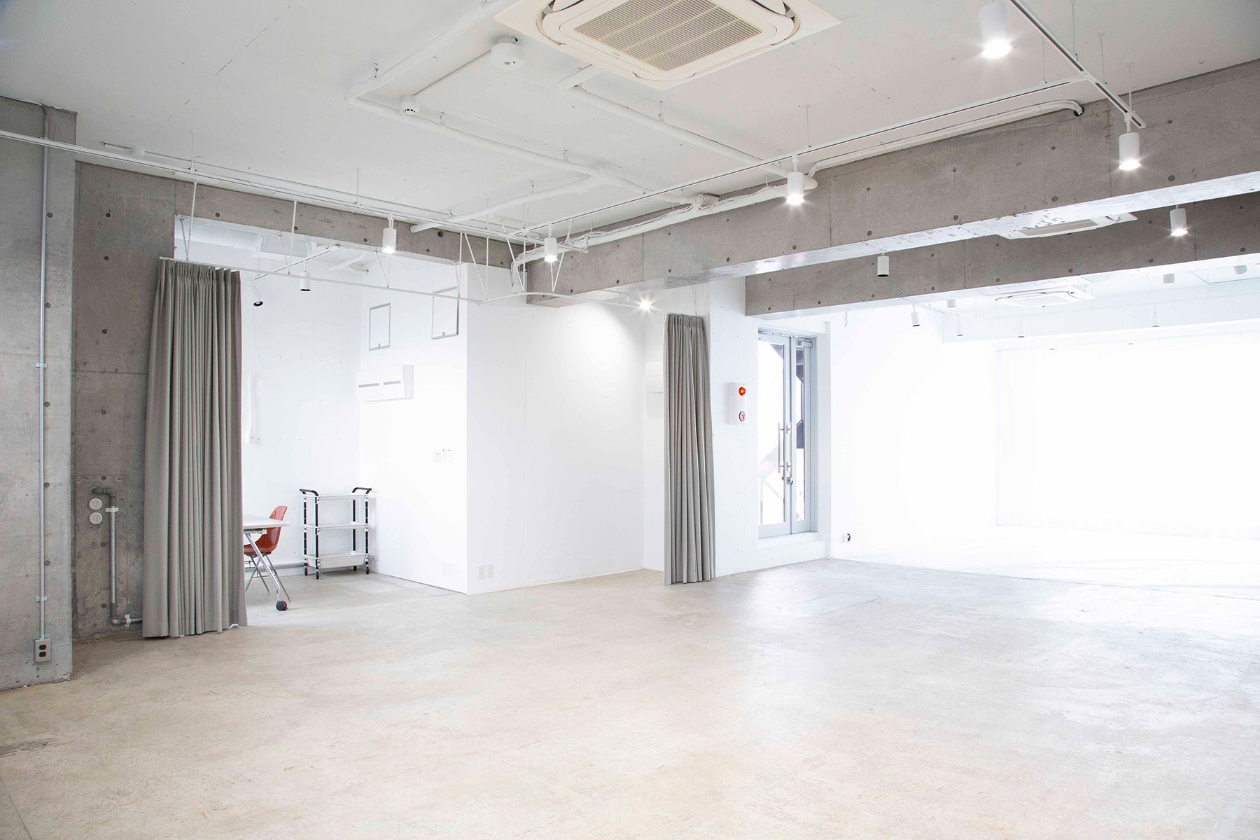 STUDIO LAILA (スタジオ ライラ)自然光がきれいな空間