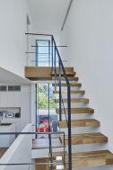 桜新町の家/個人宅 (サクラシンマチノイエ):2Fから3Fへの階段